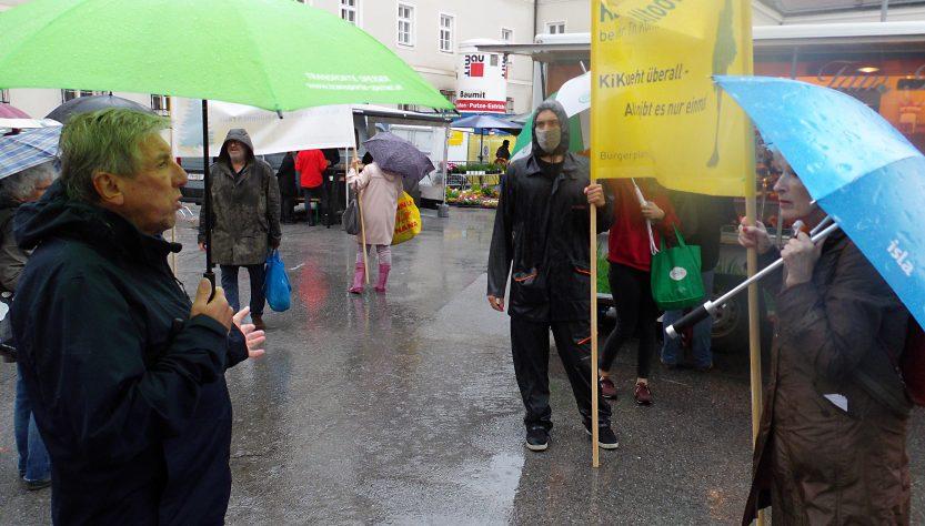 Demonstration im Regen für den Altoona-Park